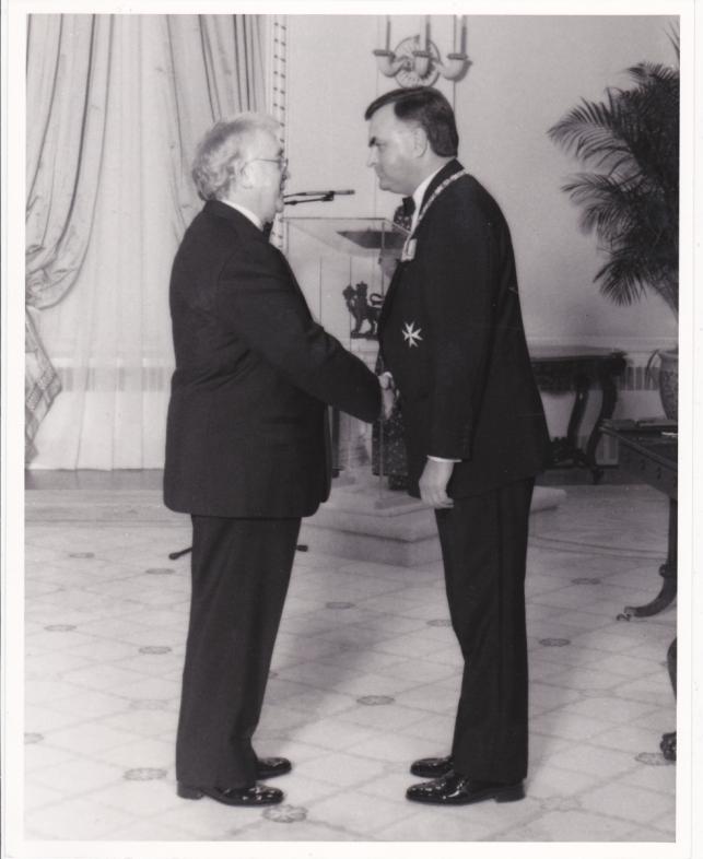 1992  18 10  předání  Order of Canada