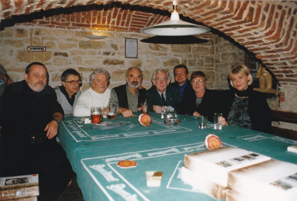 1999 27 10 Společné foto ze setkání Na Mýtince