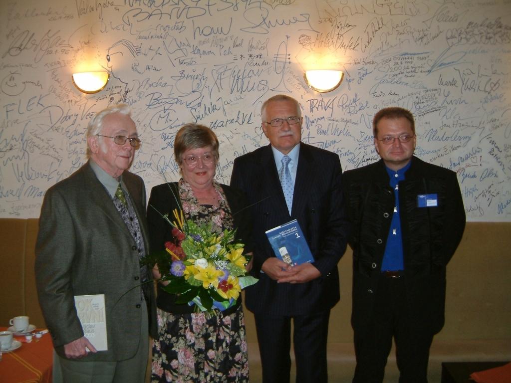 2004 22 09 s prezidentem Havlem na konferenci v Náchodě