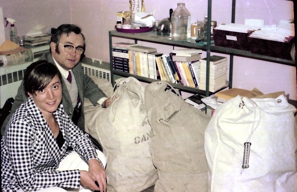 70. léta Nad pytli plnými knih
